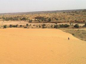 dunes-touristiques-ou-la-decouverte-de-la-beaute-du-sable-du-sahara