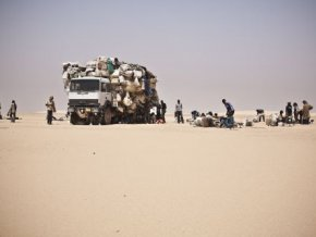 une-vingtaine-de-migrants-dont-une-fillette-secourus-a-agadez