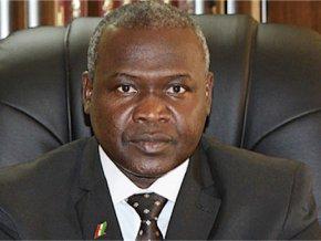 don-de-lots-de-materiels-et-de-produits-pharmaceutiques-a-l-hopital-national-de-niamey