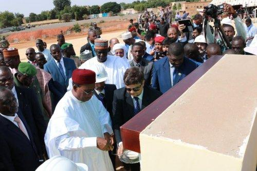Lancement officiel des travaux de construction du Centre de conférence international Mahatma Gandhi de Niamey