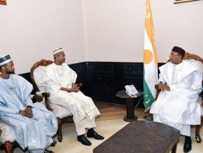 le-groupe-nigerian-dantata-va-implanter-trois-industries-au-niger