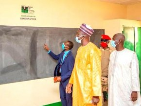 l-operation-ma-belle-ecole-de-la-fondation-bank-of-africa-niger-contribue-au-developpement-de-l-education